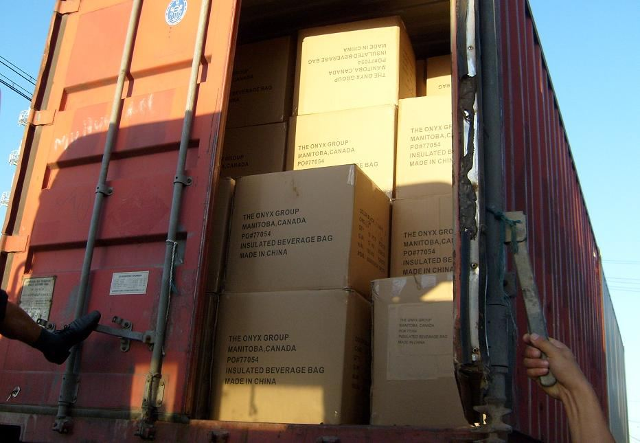 ★工厂<em>出货</em>实拍照片[2010-9-3],美国背包订单完