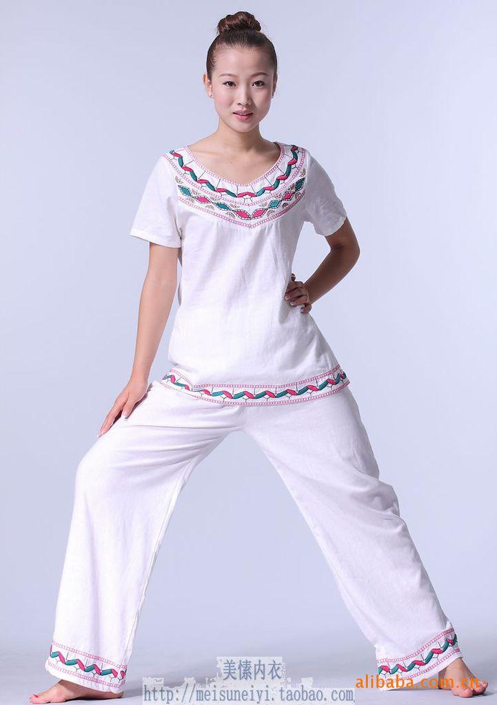 خرید اینترنتی لباس یوگا