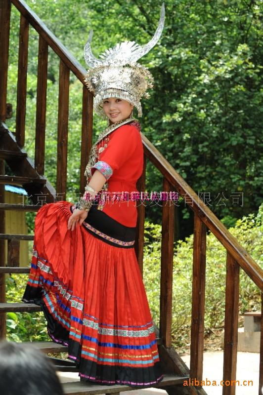 苗族 服装土家族服装 民族民族婚礼服装摄影服图片