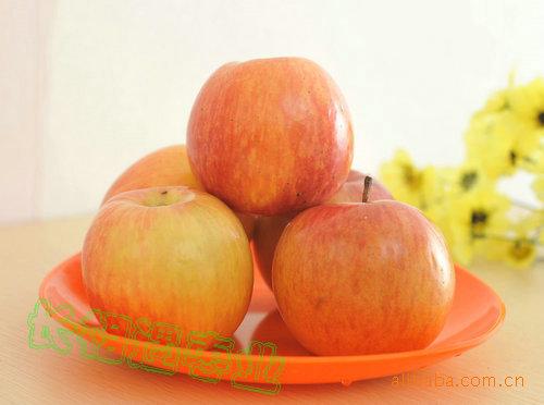 批发供应 新疆特产 阿克苏冰糖心苹果 6.5kg/箱 长相遇枣业果品