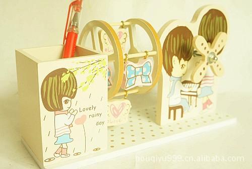 木质彩绘笔筒 卡通彩色笔筒 情侣弹钢琴YM187C图片, 木文具批发