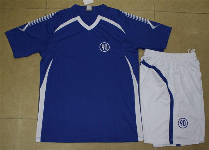 红色童装足球训练服批发、2013爆款厂家直销价、足球服童装批发