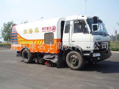 远威SXQ5160TSL扫路车B190东风康明斯发动机