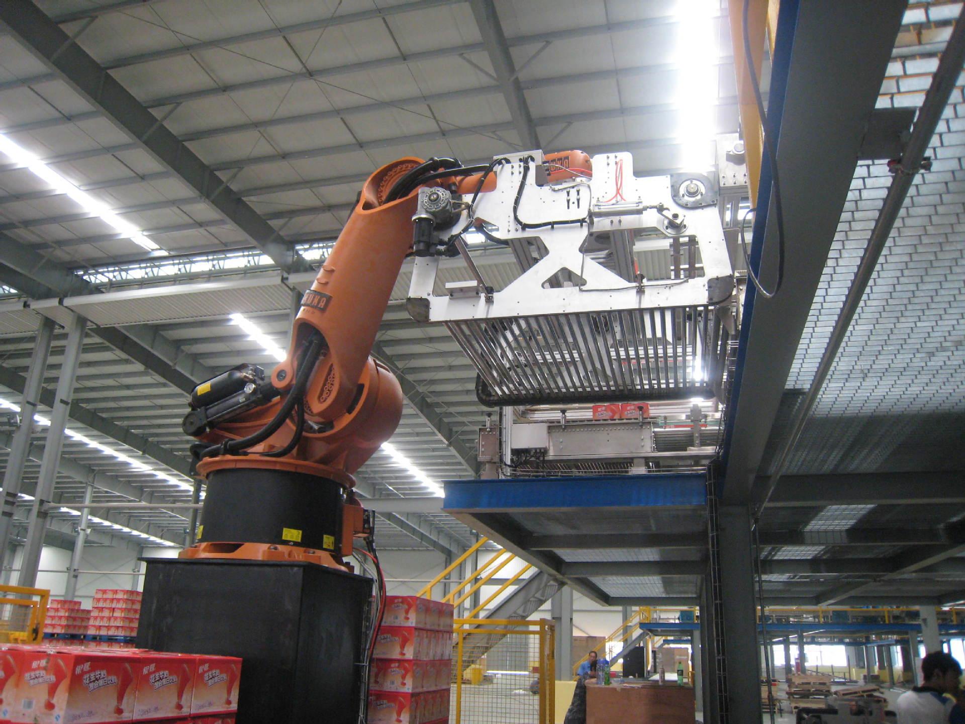 基于进口工业机器人设计的各种用途机器人,完全根据客户要求!