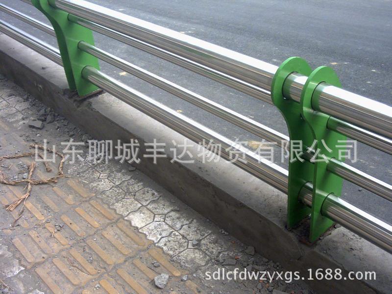 晋中厂家低价生产加工201/304护栏旗杆用不锈钢复合管规格齐全