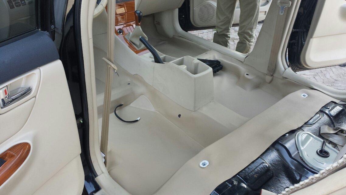 型地胶专车专用大包围汽车地板胶汽车内饰高清图片