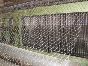 供应优质防汛石笼网 高尔凡铅丝笼,5%锌铝合金石笼网