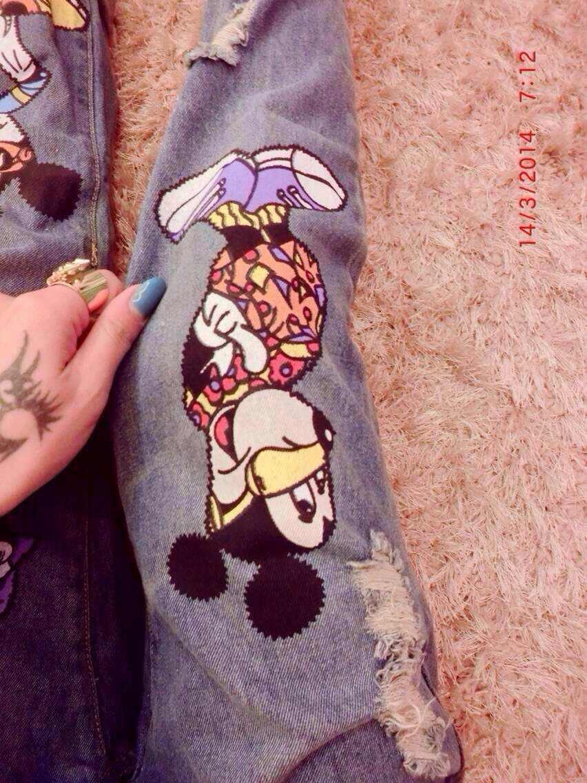 2014 весной новый мультфильм Микки печати сыпучих повседневные брюки женские ноги мыть джинсы отверстие