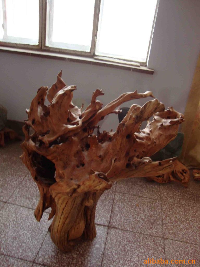 厂家专业生产供应天然香柏木根雕